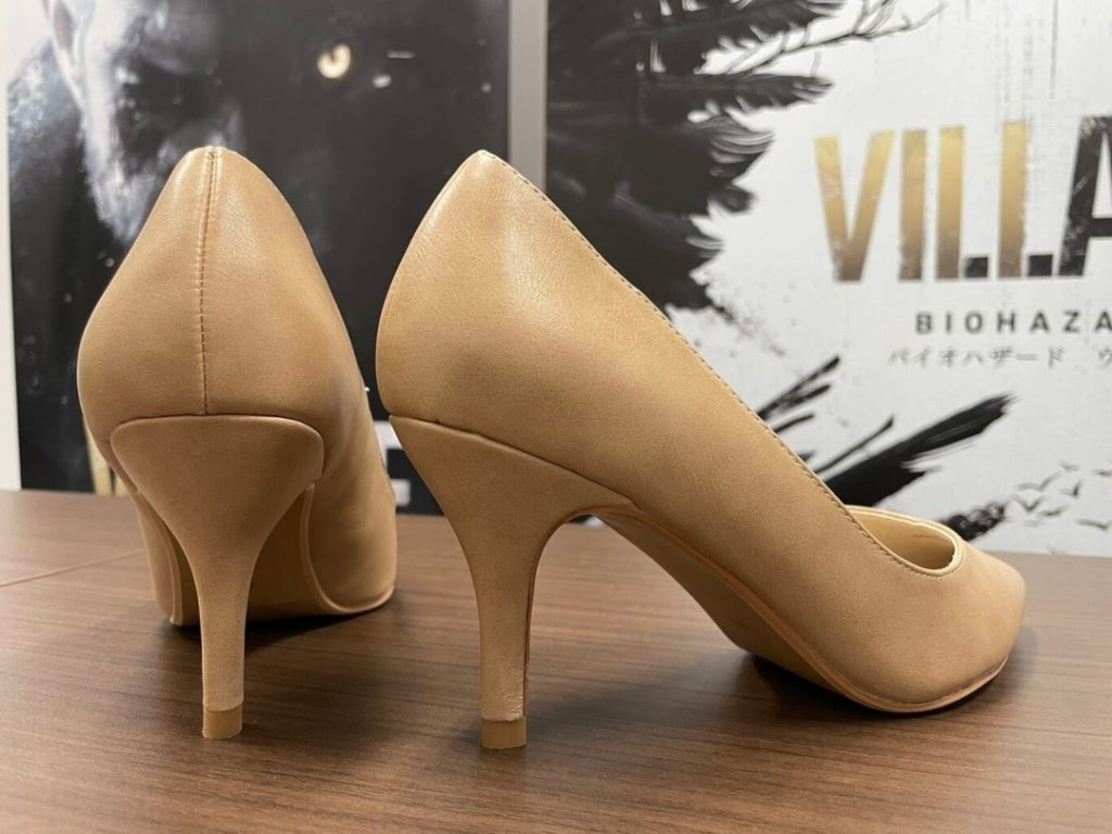 Dimitrescu zapatos